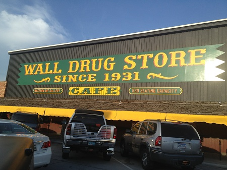 IMG 0698_Wall_Drug_Store